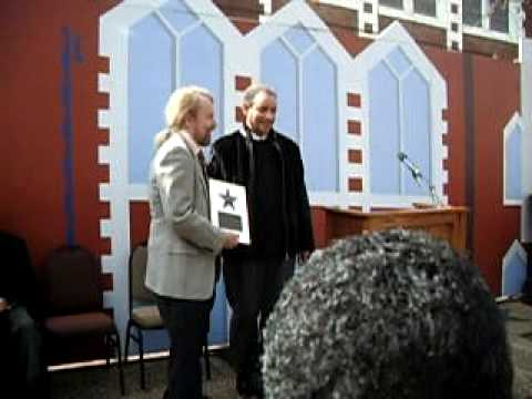 Joe Edwards Presents Lamonte McLemore with Plaque - (ColoredPeople.net)