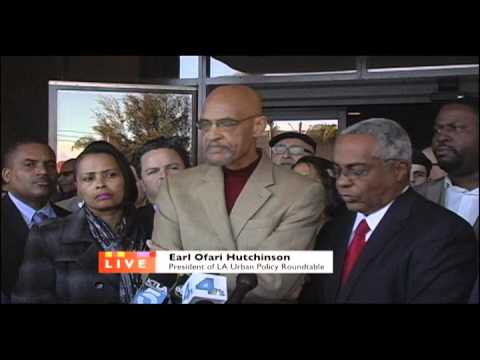 Earl Ofari Hutchinson speaks out against racial gang violence at a press conference in city of Comp…