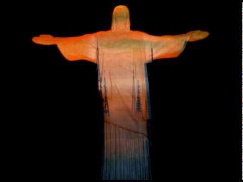 Mapping projection on the Christ, Rio, by Fernando Salis
