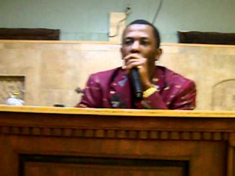 Pastor Wiggins Singing I love to praise him