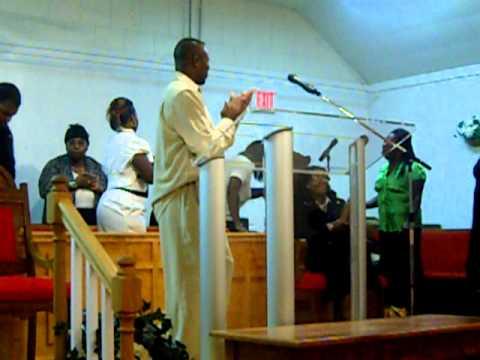 devish wiggins and his church choir singing come this far by faith 9-25-10