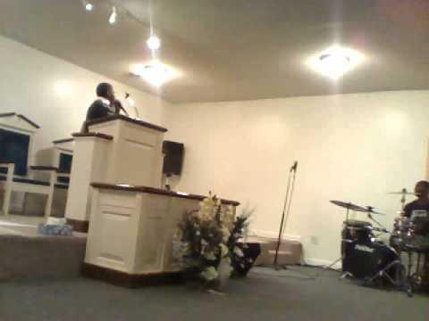 DEVISH WIGGINS PREACHING @ FULL GOSPEL NOV. 2010 PANTEGO.wmv
