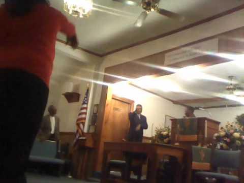 devish wiggins preaching at howard hill in washington nc 2011.wmv