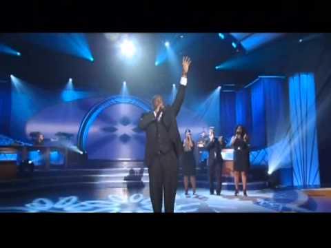 I Won't Go Back - William McDowell (LIVE)