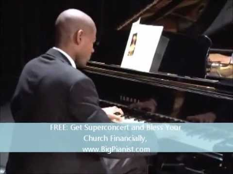 World Leading Pianist- Quinson Thomas- Giving Jesus the Glory!