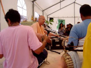 His Holiness Kadamba Kanana Swami France Kirtan-part1