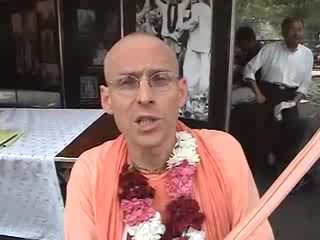 Interview with Sridhara Swami, Kadamba Kanana Swami, Radhanatha Swami during New York Ratha Yatra 2003.