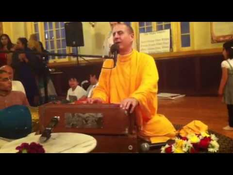 Kirtan by HH Radhanath Swami in Chicago Temple on 09th Apr, 2012