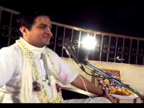 Lecture on Govardhan Lila by Lal Govind Prabhu in ISKCON Juhu on 20th Oct, 2012