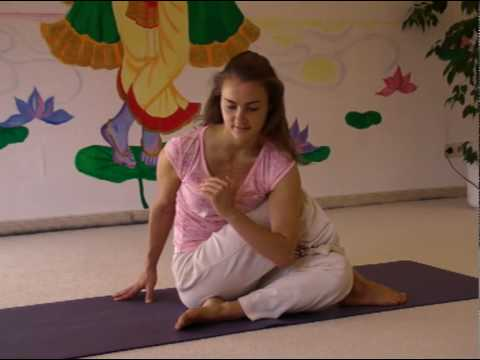 Spinal Twist - Yoga Variations for Beginners and Advanced