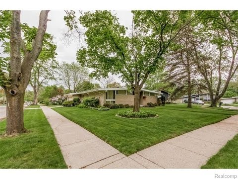 Southfield Michigan House For Sale. 23592 Plumbrooke, Southfield House Values