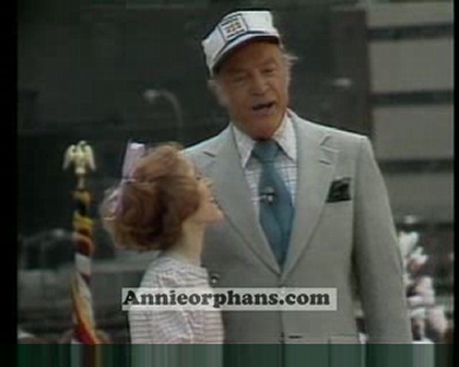Sarah Jessica Parker sings with Bob Hope