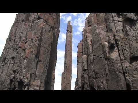 Climbing and highlining the Totempole HD