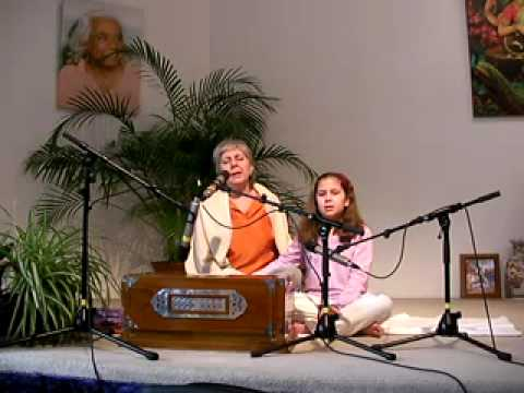 Shri Radhe Radhe - with Gauri and Leela