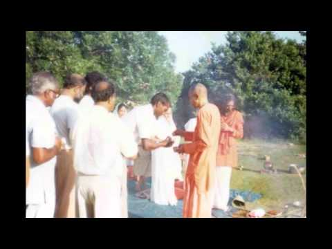 # 113 Swami Sahajananda talks about Master Sivananda to little kids 1988.Part 3 of 3