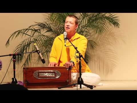 Gauri Gauri Gange Rajeshwari - Kirtan in Praise of the Divine Mother