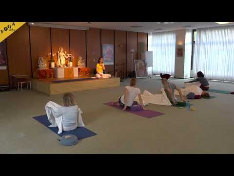 yoga class advanced dynamic 10 minutes with affirmations