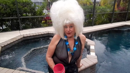 Ann, The TravelSlut invites you to Hedonism II resort in June (38 sec)
