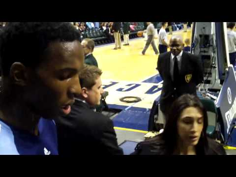Hasheem Tabeet Signing Autographs in Indianapolis