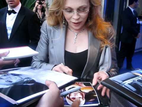 Faye Dunaway signing autographs at Cannes film festival 2011