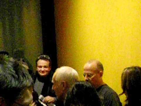 Peter Frampton signing autographs at 21th november 2011 in Berlin