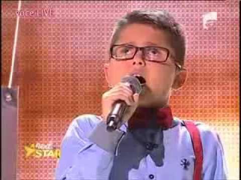 Ele é cego, ele tem 10 anos e ele cantou Sinatra! E fez os jurados chorarem!