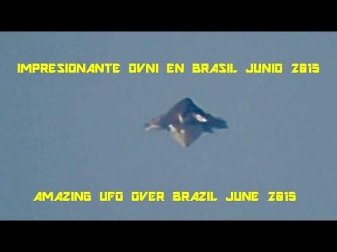 OVNI em formato de pirâmide sobrevoa céu de MOGI DAS CRUZES !!!