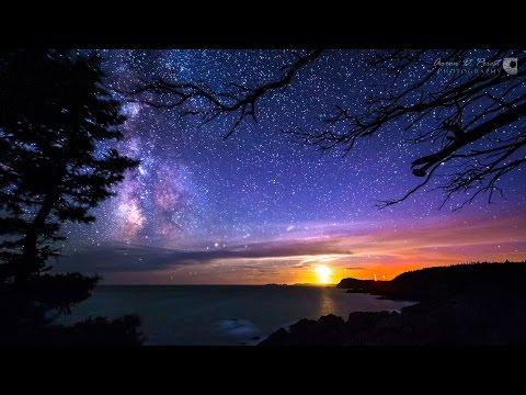 Vídeo acelerado com imagens noturnas, céu estrelado, etc...