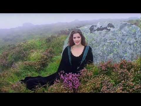 Anúna : The Wild Song feat. Lynn Hilary & Sarah O Kennedy