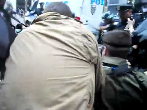 'Occupy Wall Street' NYPD runs over a protester with motorcycle 14/10/2011 [MIRROR]