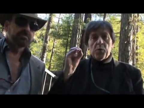 Illuminazi Bilderberg West Bohemian Grove - Anthony J Hilder Robert Hammond (LR)