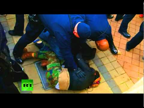 Video of arrests at Occupy Oakland Thanksgiving protest