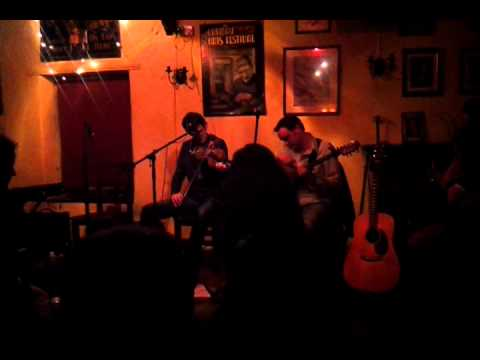 Dónal McCague plays Limerick's Lament: Traditional Irish Music