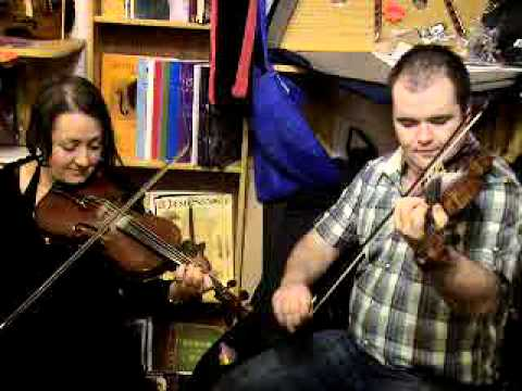 Tara Connaghan and Derek McGinley - The Far Side of the Glen
