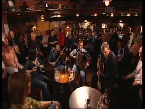 John McCartin Oliver Loughlin Damian O'Brien June McCormack, Geantrai Irish Guitar DADGAD