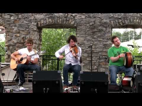 NUA - The Draw (Live at the Mill Race Folk Festival 2013)