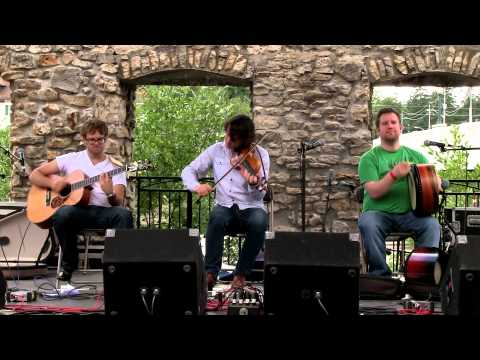 NUA - The Dark Road (Live at the Mill Race Folk Festival 2013)