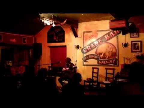 Máire Bheag Ní Ghibhearlan / Willie's Single