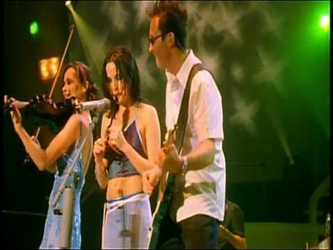 THE CORRS - TOSS THE FEATHERS