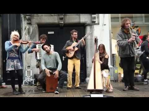 'Game of Thrones' Cover by Galway Buskers