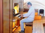 An der Orgel in Bruckmühl