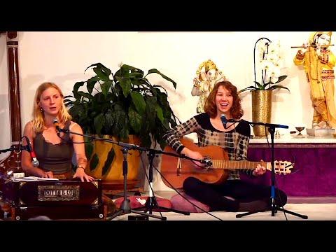 Samstagabend Satsang und Meditation mit Sukadev - Yoga Vidya Live Ritual Kirtan singen 20:00 Uhr 18…