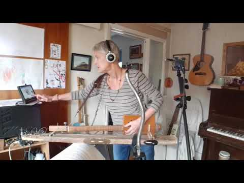Live Indoor Busk Pt 1 - with home made Cigar box guitars and spirit level lapslide