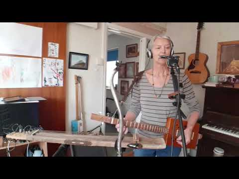 Live Indoor Busk Pt 2 - with home made spirit level lapslide and Cigar box guitar