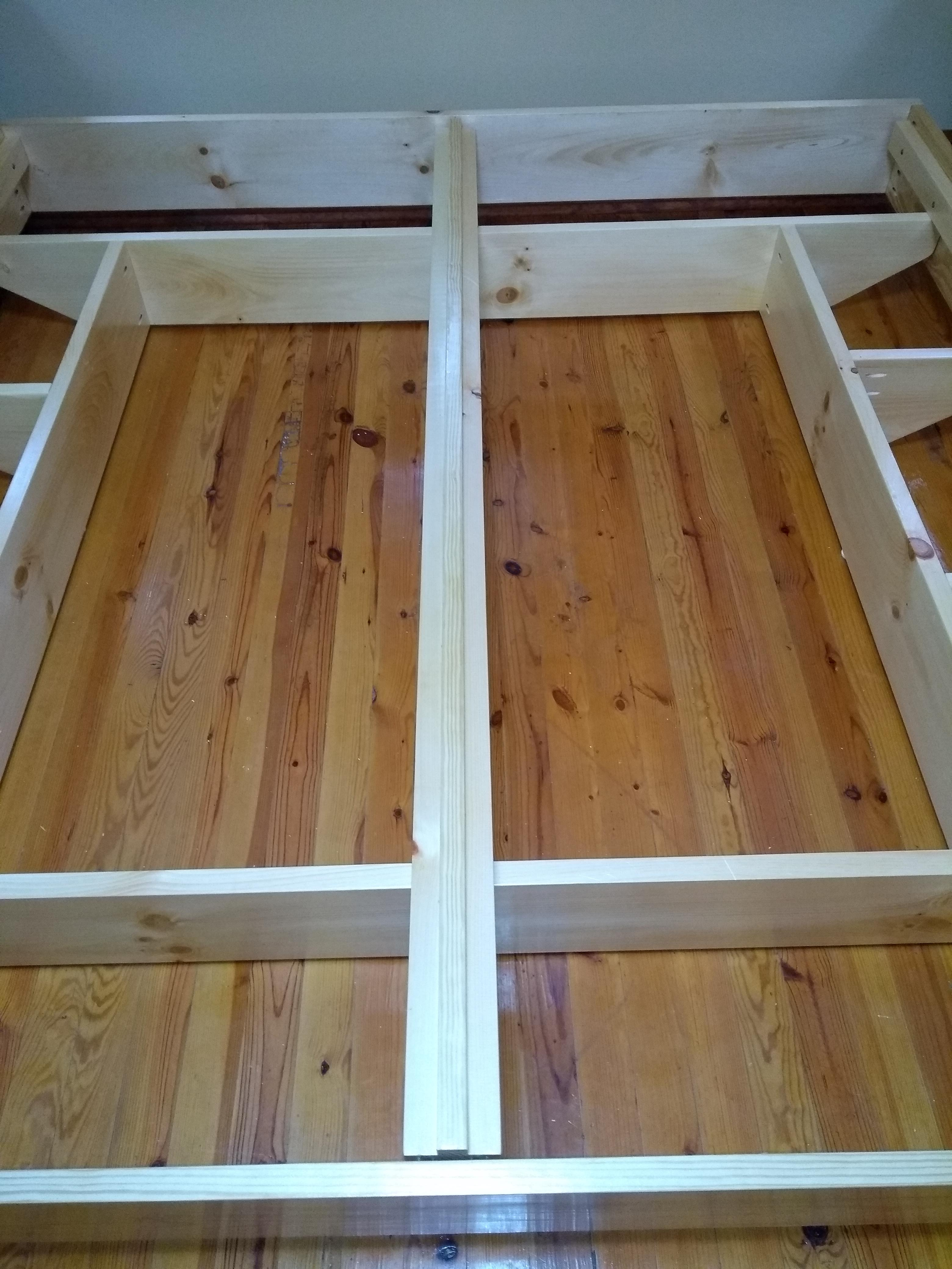 King Size Platform Bed Center Rail