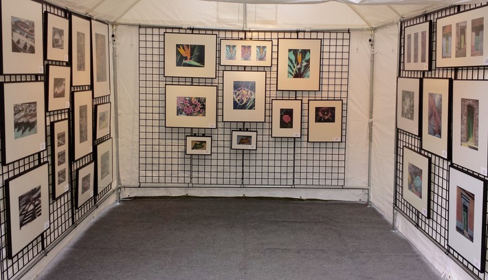 Setting Up A Grid Wall Panel Display Art Fair Insiders