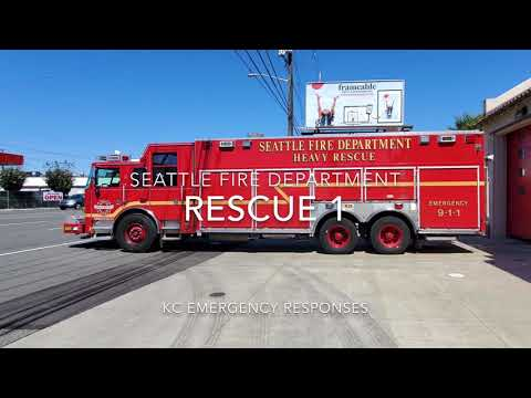 Seattle Rescue 1 and Rescue 1A Responding