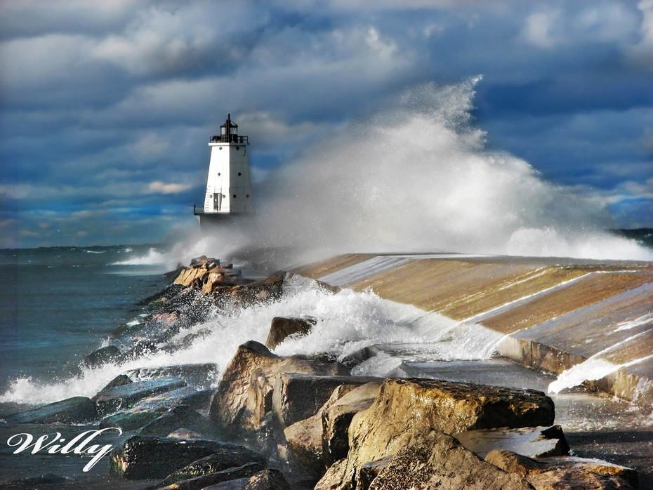 Ludington Michigan lighthouse and wave
