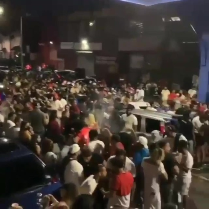 Dominicans Throw A Reggaeton Party