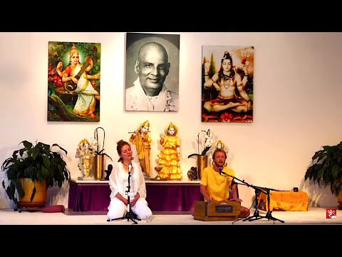 Kirtan Chanting with  Tilman and Shiva Jyoti